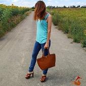 Полюбляєте рудий?  Лисичка або бестія? З нашими сумками можливо все! Звичайно, лисичка допоможе  зробити образ виразним і яскравим! 🦊🔥  #шкірянасумка #сумкаукраїна #сумкиручноїроботи #кожанаясумкаукраина #кожанаясумка #сумкиLYSYTSIA #LYSYTSIA #boyarka #пошивсумок #ручнаяработа #боярка #fashion #стиль #мода #київ #сумкикиїв