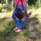 Виразний колір темного шоколаду й незвичайна форма - все це поєднує у собі наша вишукана шкіряна сумка.  Ідеальний завершальний штрих до стильного образу! 🌹🌹🌹  #шкірянасумка #сумкаукраїна #сумкиручноїроботи #кожанаясумкаукраина #кожанаясумка #сумкиLYSYTSIA #LYSYTSIA #boyarka #пошивсумок #ручнаяработа #боярка