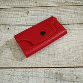 Яскраві ключиці з натуральної шкіри. Зберігає кишені й сумки від металевих ключів і радує око яскравим дизайном.  #шкірянаключниця #кожанаяключница #пошиттясумок #ручнаробота #сумкиручноїроботи #кожанаясумкаукраина #кожанаясумка #сумкиLYSYTSIA #LYSYTSIA  #boyarka
