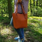 Рудий - це колір сонця, вогню, прянощів, фруктів. Він асоціюється з радістю та життєвою енергією. Шкіряна сумка в такому кольорі виглядає яскраво, ефектно і сміливо!  #шкірянасумка #сумкаукраїна #сумкиручноїроботи #кожанаясумкаукраина #кожанаясумка #сумкиLYSYTSIA #LYSYTSIA #boyarka #пошивсумок #ручнаяработа
