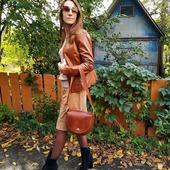Осінь - це прекрасна пора яскравих фарб.🍁 🍁 🍁  Навіть самий нейтральний образ шкіряна сумка LYSYTSIA перетворить на щось шикарне з нотками свободи. 🍁 🍁 🍁  #шкірянасумка #сумкиукраїна #сумкиручноїроботи  #кожанаясумка #сумкиLYSYTSIA  #boyarka #пошивсумок #ручнаяработа #боярка #стиль #мода